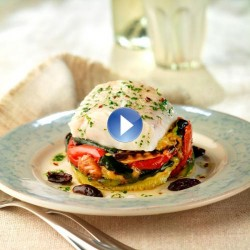 Filete de merluza al vapor con verduras asadas