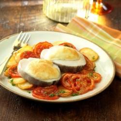 Merluza con muselina de ajos sobre patata