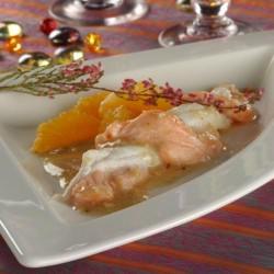 Trenat de llenguado i salmó amb salsa d'avellanes i mandarina