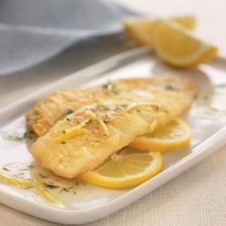 Limanda con salsa de limón y eneldo