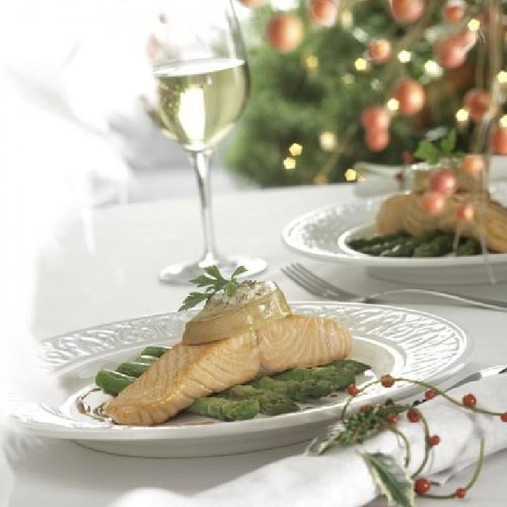 Llom de salmó amb espàrrecs de marge i foie