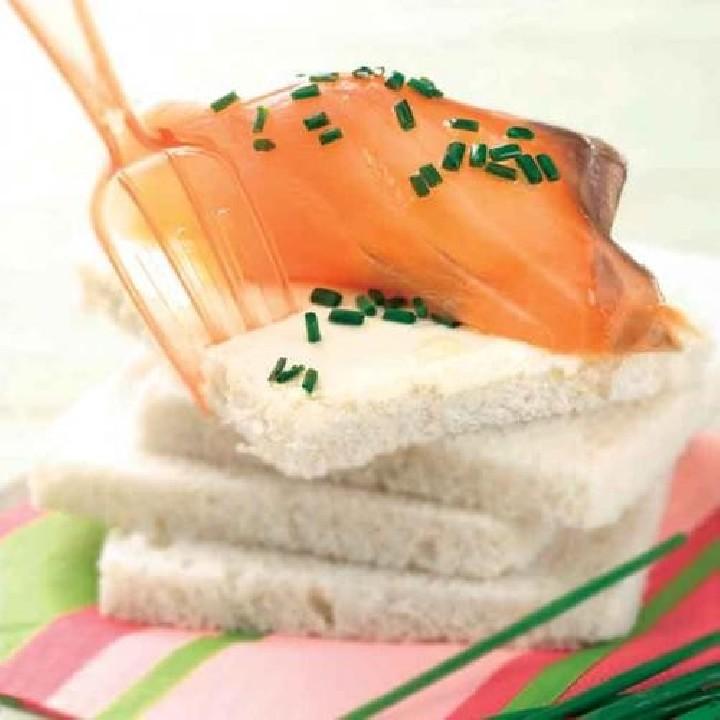Sándwich de salmón ahumado y mascarpone