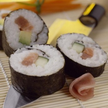 Makisushi de salmó i tonyina
