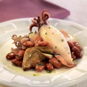 Alcachofas con pintas y calamares