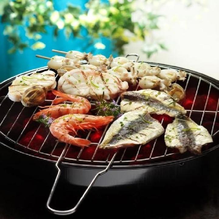 Graellada de peix i marisc amb salsa de llima
