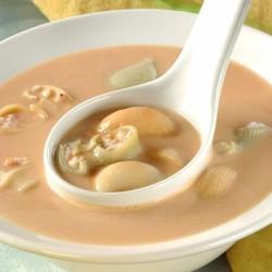 Sopa de peix amb galets farcits de gambes