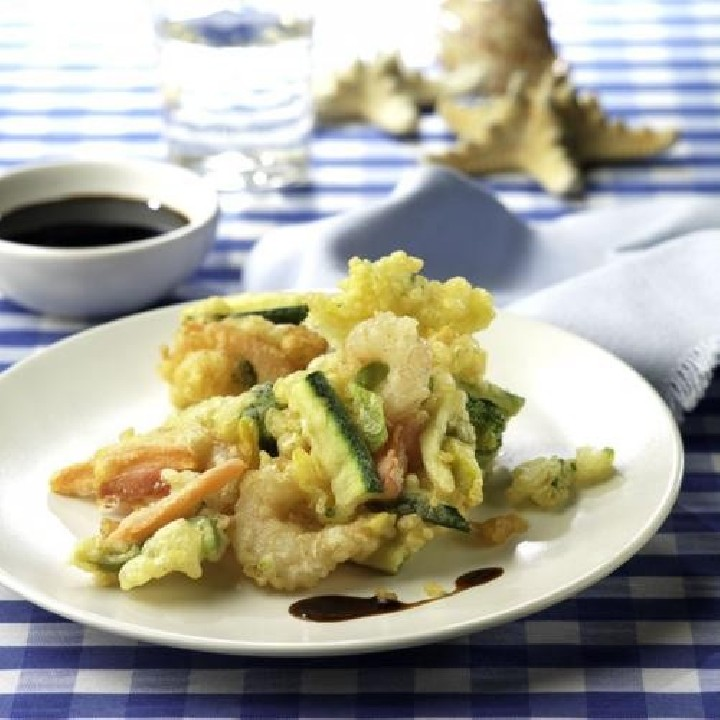 Gambes i verdura en tempura cruixent