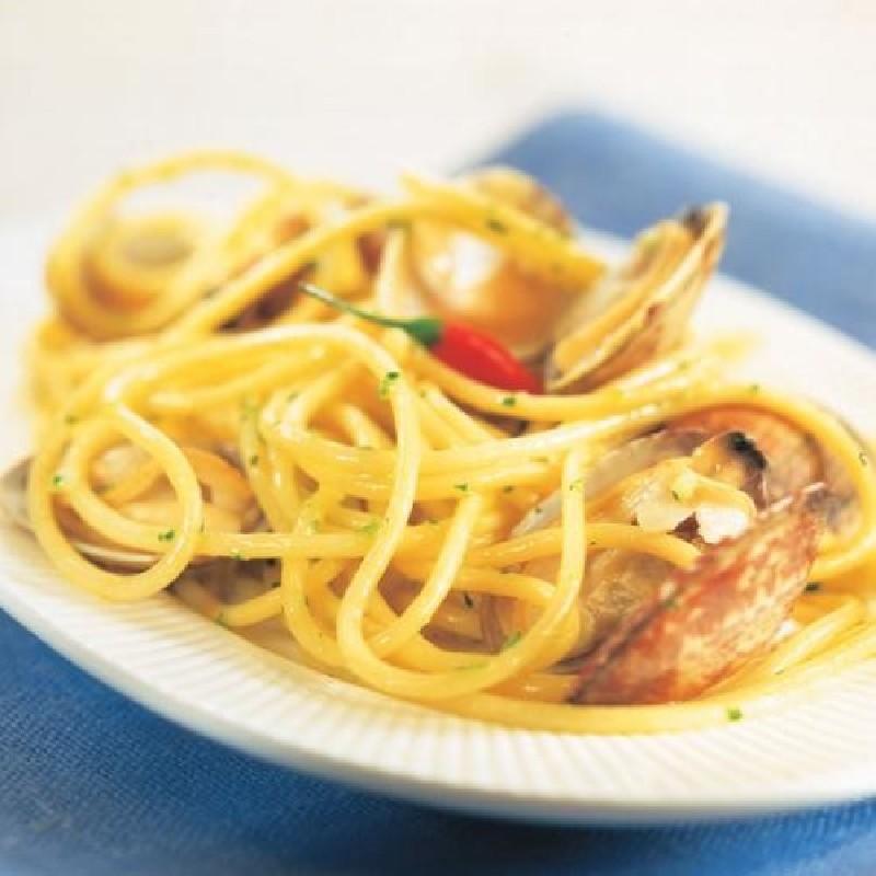 Receta de espaguetis con almejas la sirena - Espaguetis con almejas ...