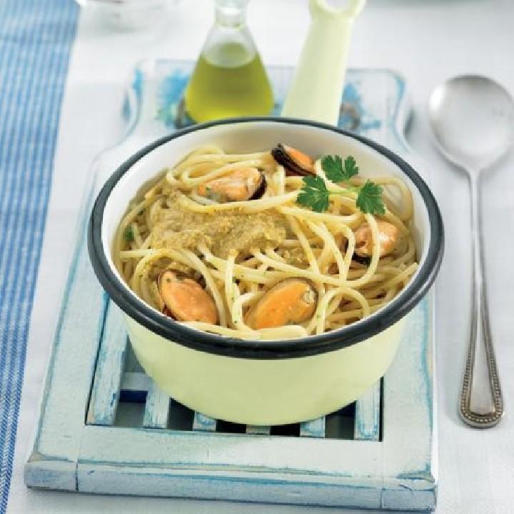 Espaguetis con salsa de mejillones