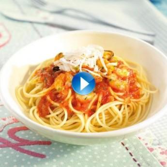 Espaguetis con mejillones y gambas