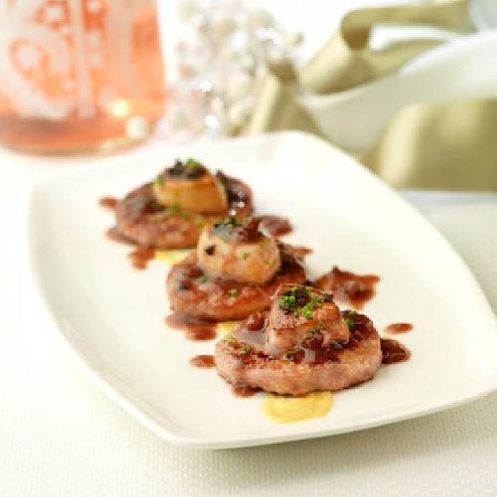 Minihamburgueses amb foie i salsa de porto