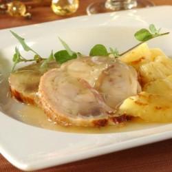 Pollastre rostit i banyat amb salsa de pinya