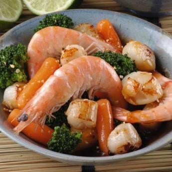 Chop suey de vieires i llagostins