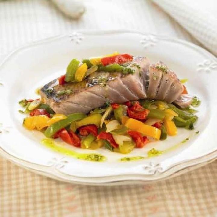 Ventresca de tonyina amb pebrots tricolor