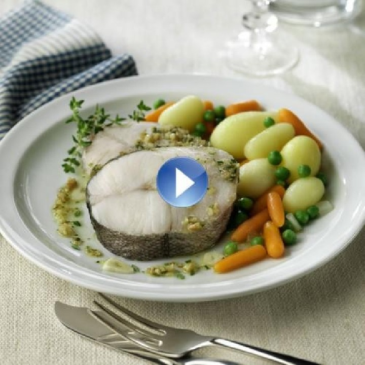 Rodaja de merluza al vapor con salteado de verduras