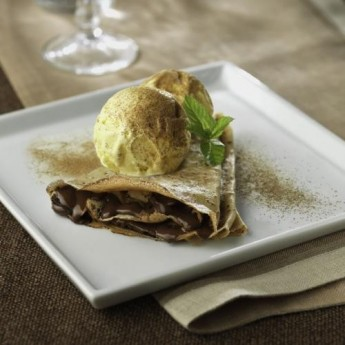 Creps de xocolata amb gelat de vainilla