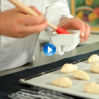 ¿Cómo dar color a la masa de hojaldre, croissants y chics?