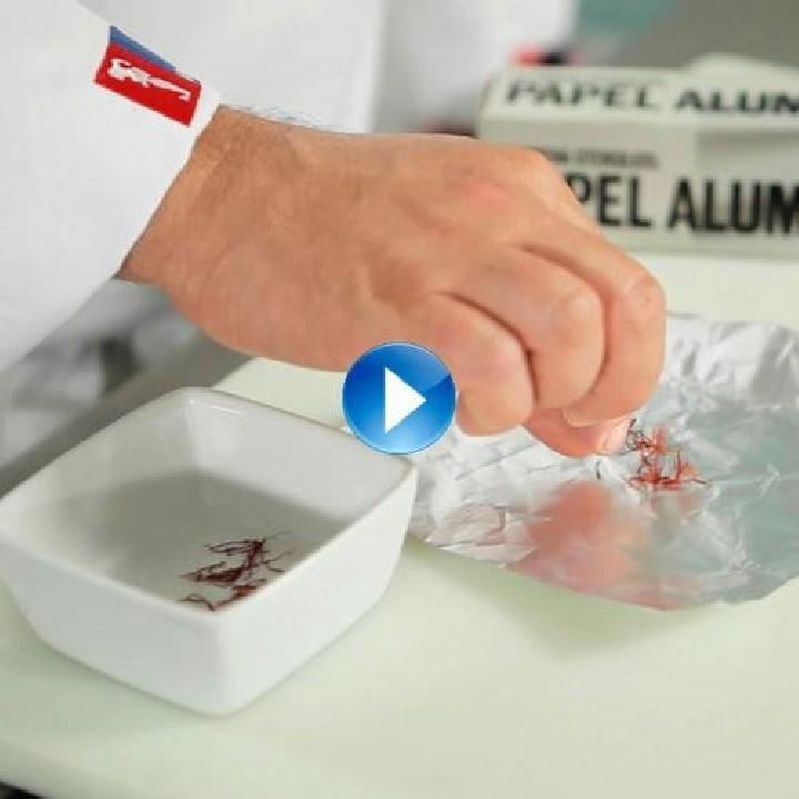 Cómo dar color a los platos con el azafrán