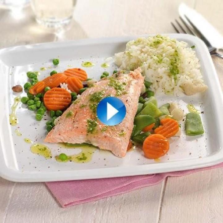 Salmón con arroz y verduritas al toque cítrico