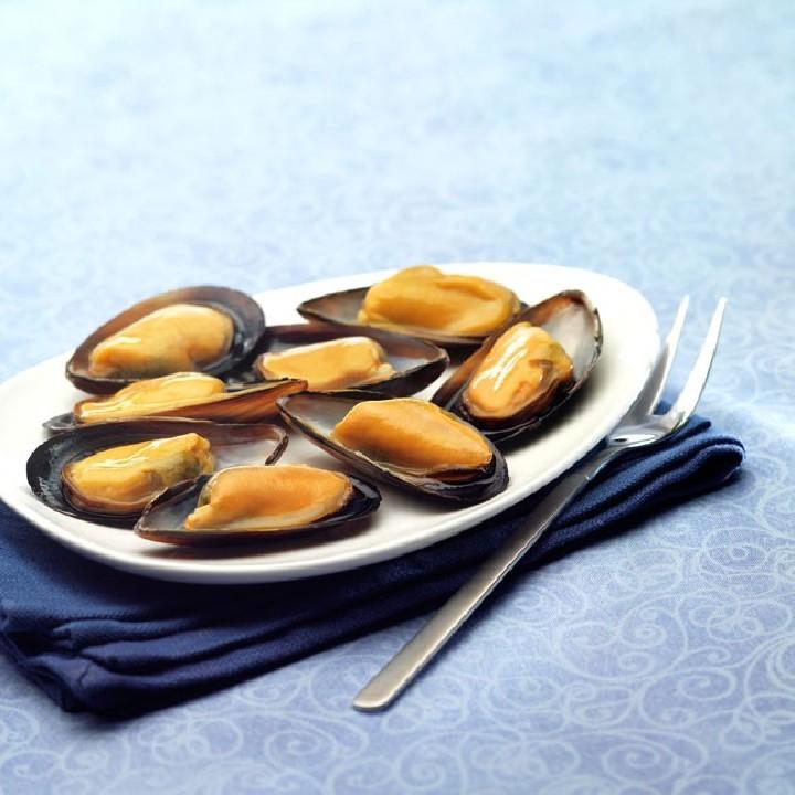 Mejillones de chile cocidos con media concha
