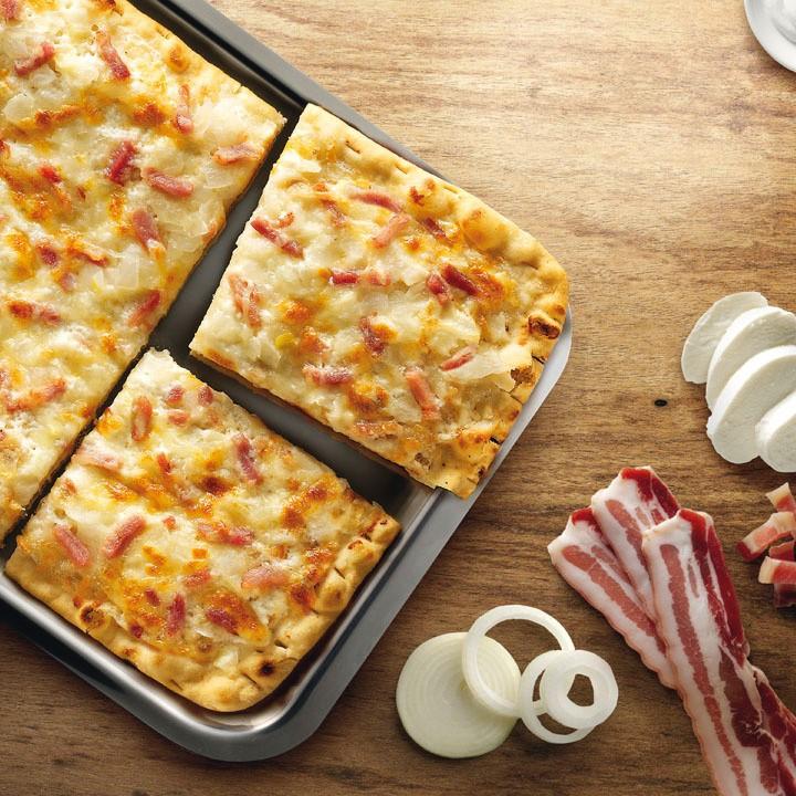 Pizza al estilo carbonara