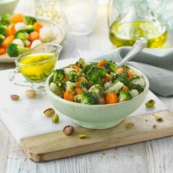 Verduras bio con aliño de pistachos