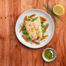 Filet de salmó sobre puré de bròquil i coliflor