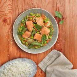 Curri verd de salmó amb verdures