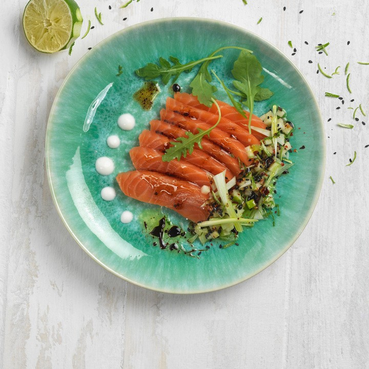 Sashimi de salmó amb tocs àcids