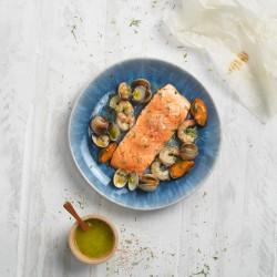 Lomo de salmón con mariscos en papillote