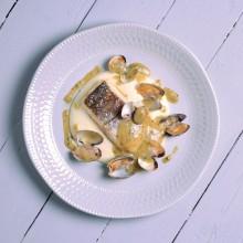 Lomo de merluza al pil pil de almejas
