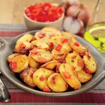 Patatas con pimiento rojo y cebolla