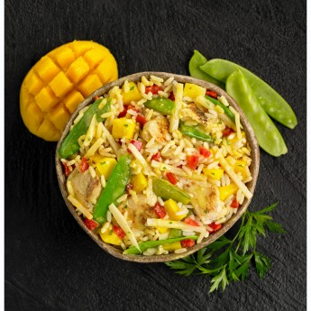 Pollastre amb mango i verdures orientals