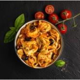Capeletti amb verdures i pesto vermell