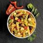 Ensalada tricolor con verduras y queso