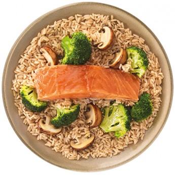 Arroz oriental,salmón,brócoli y setas