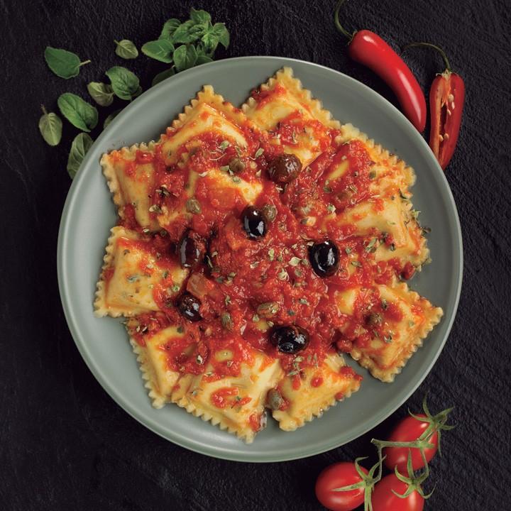 Ravioli diavola salsa mediterranea