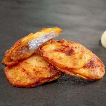 Patata rell. queso cabra y cebolla caram.