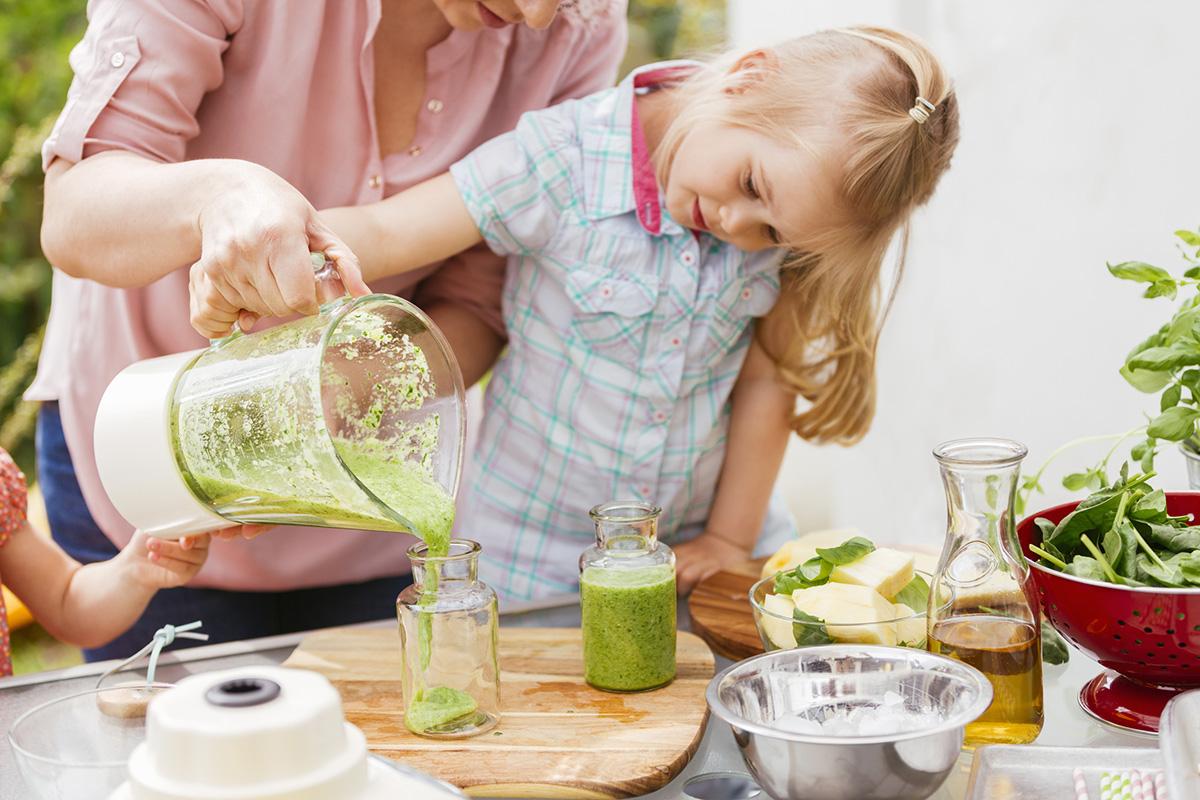 ¡Descubre dos originales recetas que combinan uno de los refrescos estrella del verano con los vegetales más saludables!