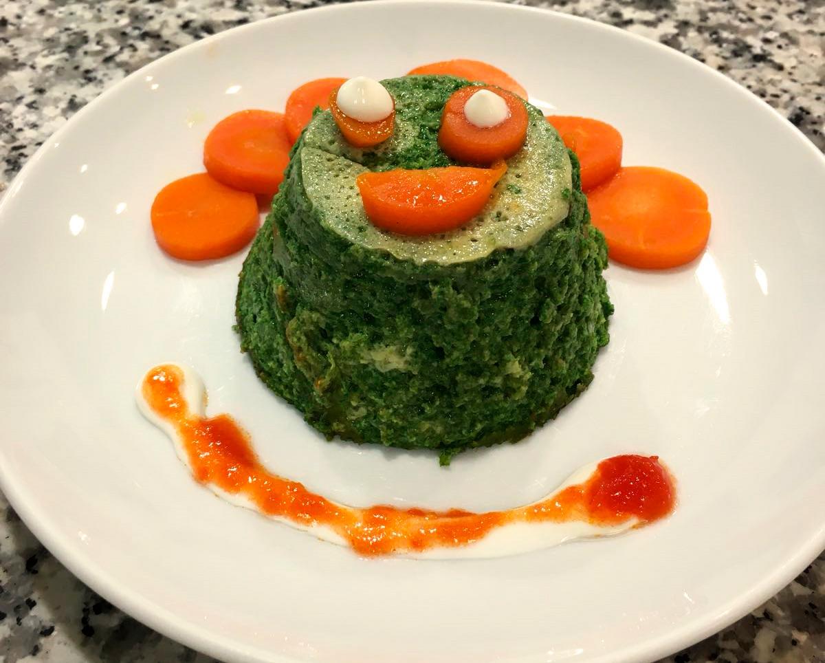 Uno de los platos elaborados fueron los pastelitos de espinacas y halibut con corona de zanahorias.