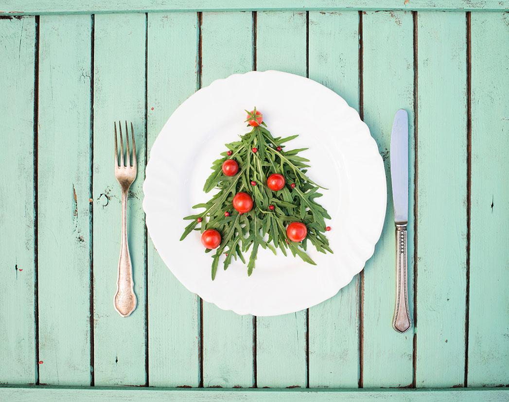 Descubre cómo preparar dos exquisitas de Navidad saludables.