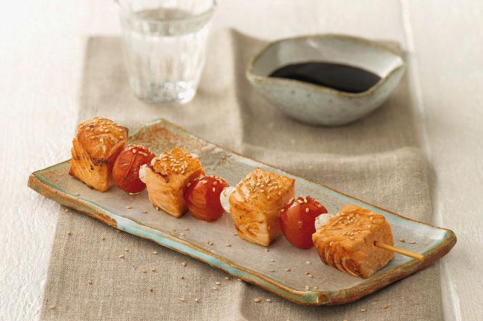 El salmón es rico en omega 3, un ácido graso esencial.