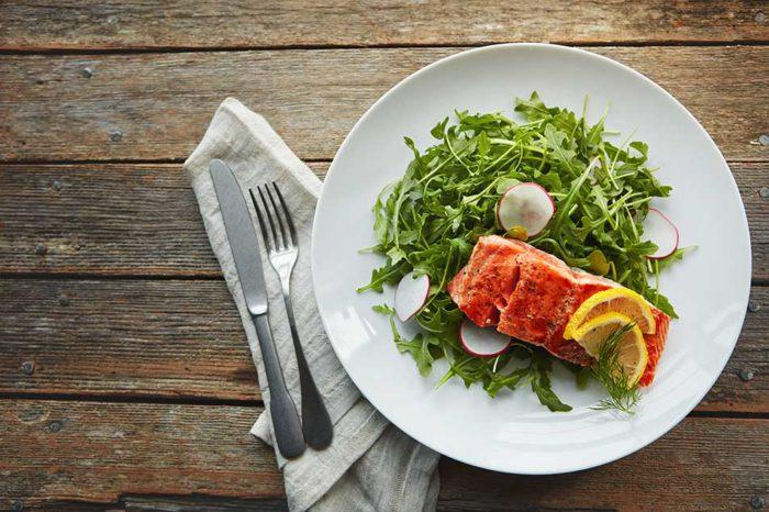 salmon-con-rucula