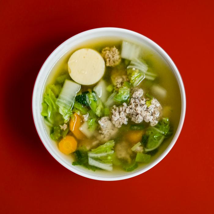 Te aconsejamos preparar la sopa la noche antes.