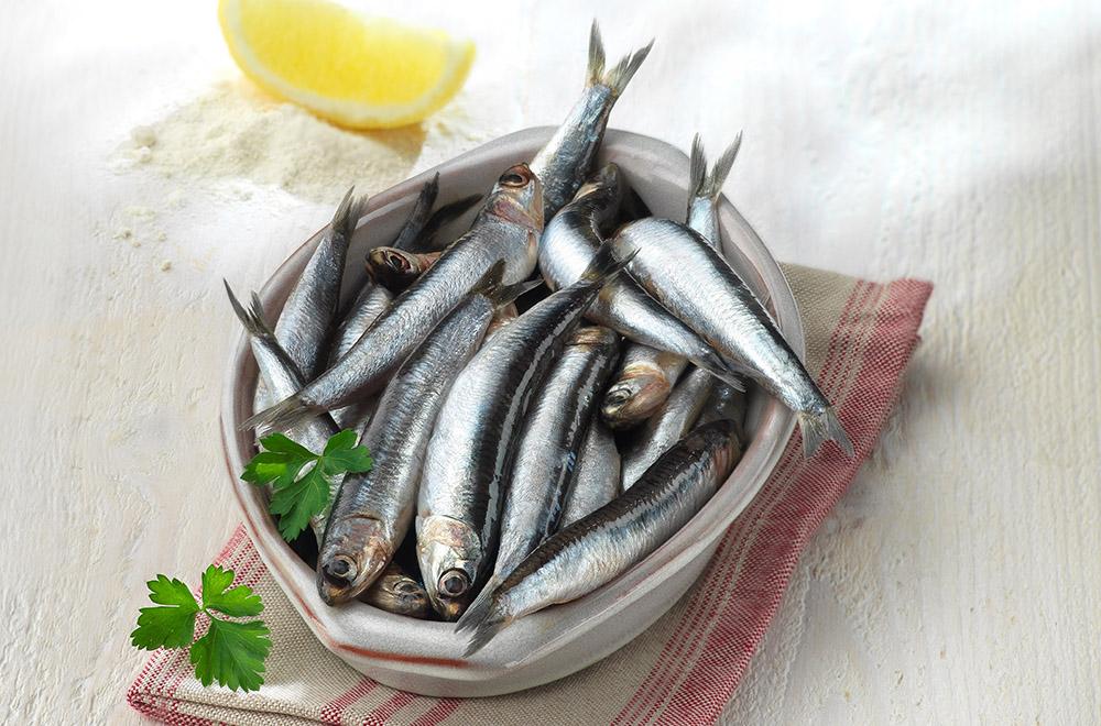 El pescado azul está recomendado para personas con problemas cardiovasculares.